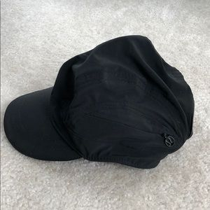 Lululemon black running hat